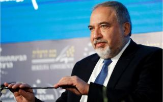 وزير الدفاع الاسرائيلي: نخطط لبناء 2500 منزل جديد في الضفة الغربية