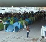 فرنسا تخلي مخيماً للمهاجرين في باريس