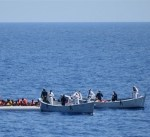 المفوضية الأوروبية تقترح زيادة الموازنة لأزمة المهاجرين ثلاثة أضعاف