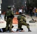 جيش الاحتلال ينكل بأسرى فلسطينيين