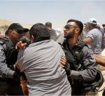 جيش الاحتلال يصيب 35 فلسطينيا اثناء تصديهم لمحاولات هدم تجمع بدوي شرق القدس