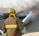 """""""الإطفاء"""" تسيطر على حريق منجرة بمنطقة الشويخ الصناعية"""
