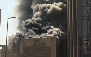 6 فرق للإطفاء سيطرت على حريق مبنى قيد الإنشاء في شرق