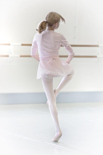 dance-1202403_640