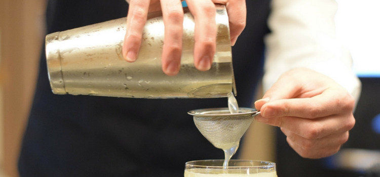 Choosing your favorite cocktail shaker set