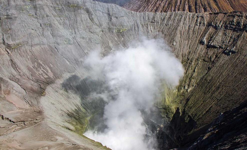 Keindahan Kawah Gunung Bromo