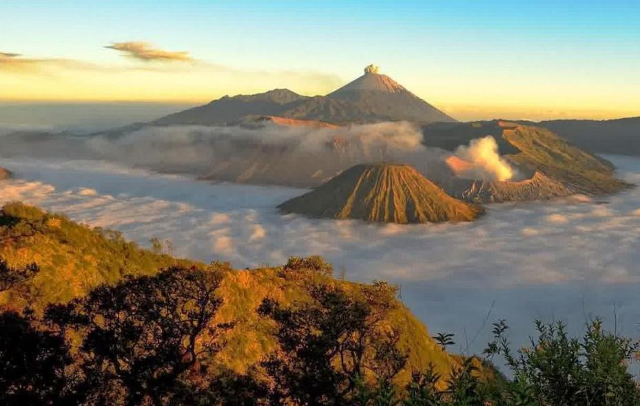 Melihat Sunrise Di Gunung Bromo