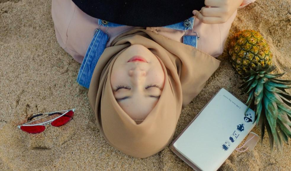 Tips Menggunakan Hijab Cantik Untuk Wajah Bulat