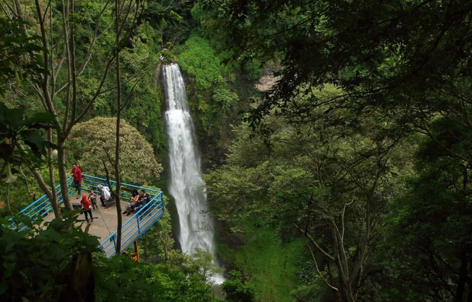 Tempat Wisata Di Bandung Curug Cimahi