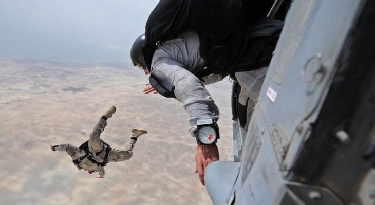 5 Tips Skydiving dan Hang Gliding yang Aman