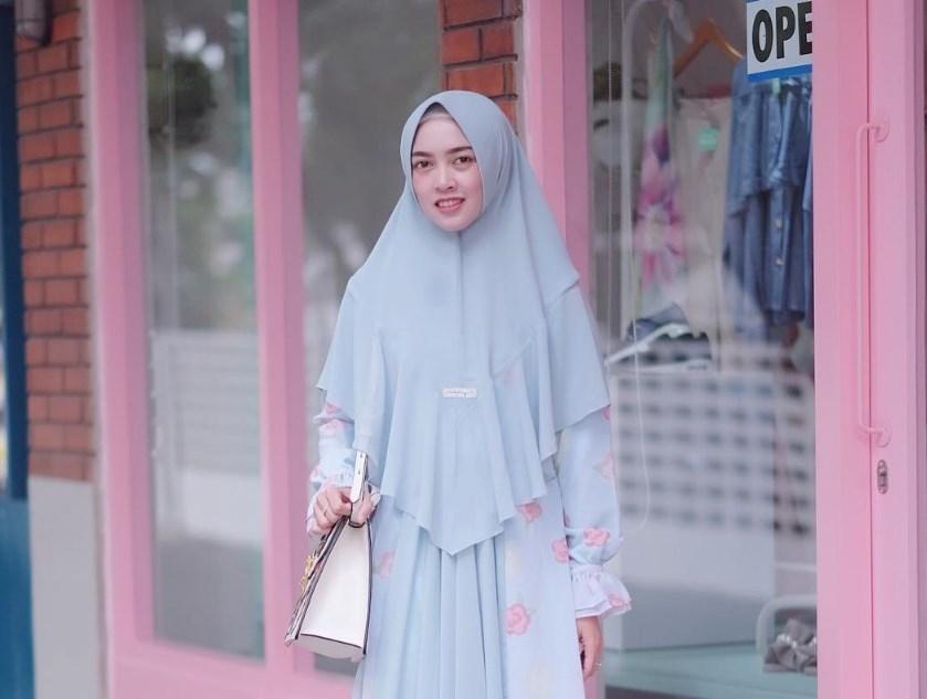 Gunakan Hijab Berpola Langsung Pakai Cocok bagi Wajah Bulat