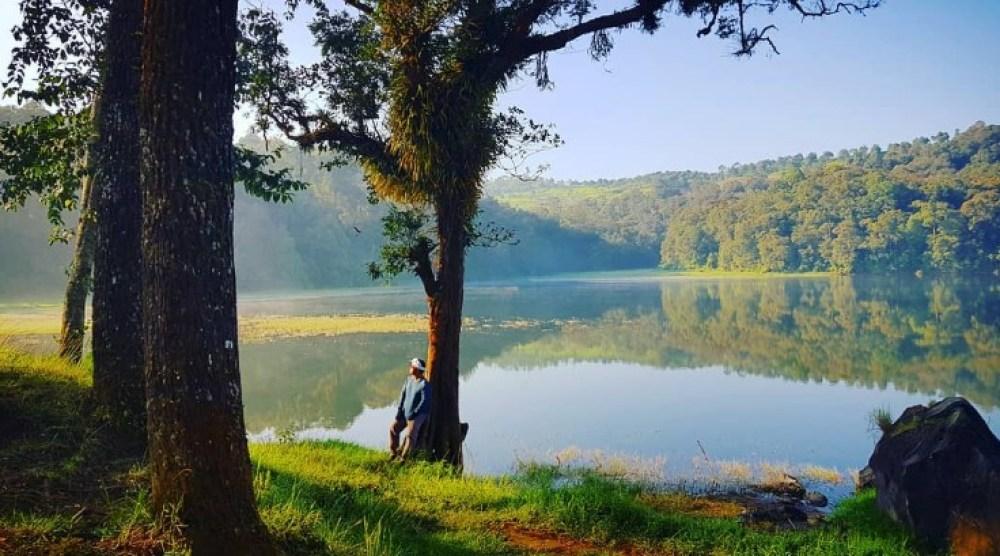 Berjalan Kaki Mencari Spot Foto Terbaik