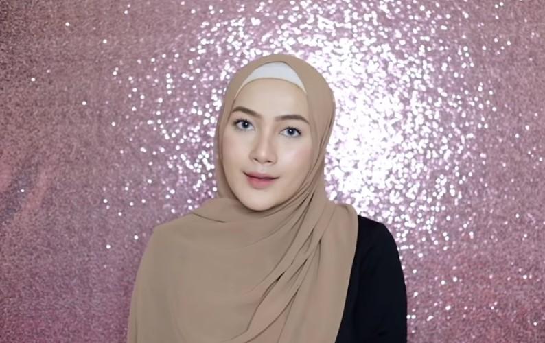 Tutorial Hijab Pashmina Syari Simple, Cepat dan Mudah SELESAI