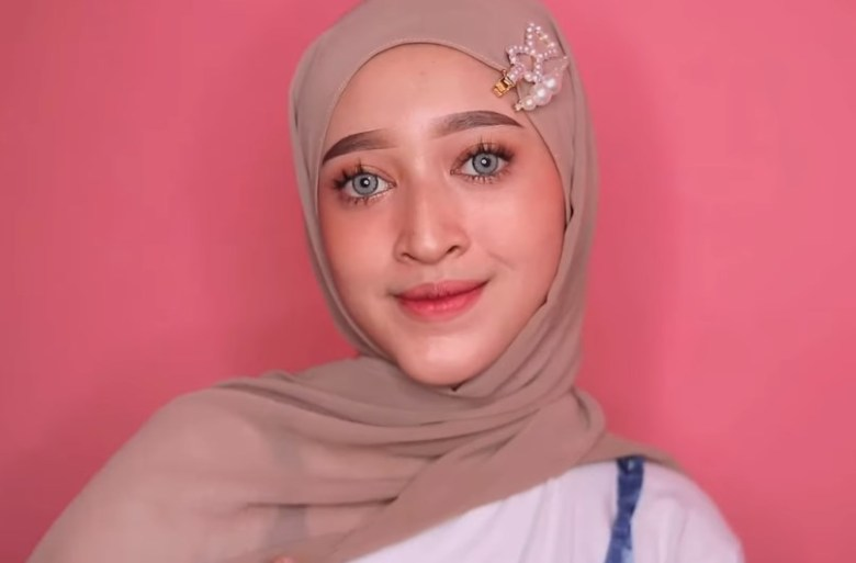 Cara Memakai Jilbab Pashmina Simple dan Mudah SELESAI