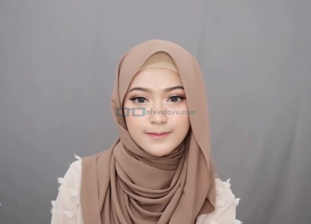 Tutorial Hijab Pashmina Simple Syari untuk Remaja SELESAI