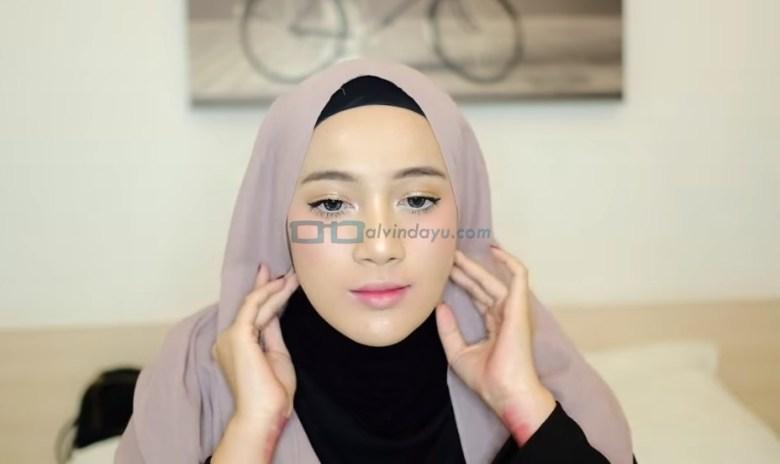 Tutorial Hijab Pashmina Simple dan Mudah, Buat Hijab Pashmina Sesuai Bentuk Wajah dengan Rapi