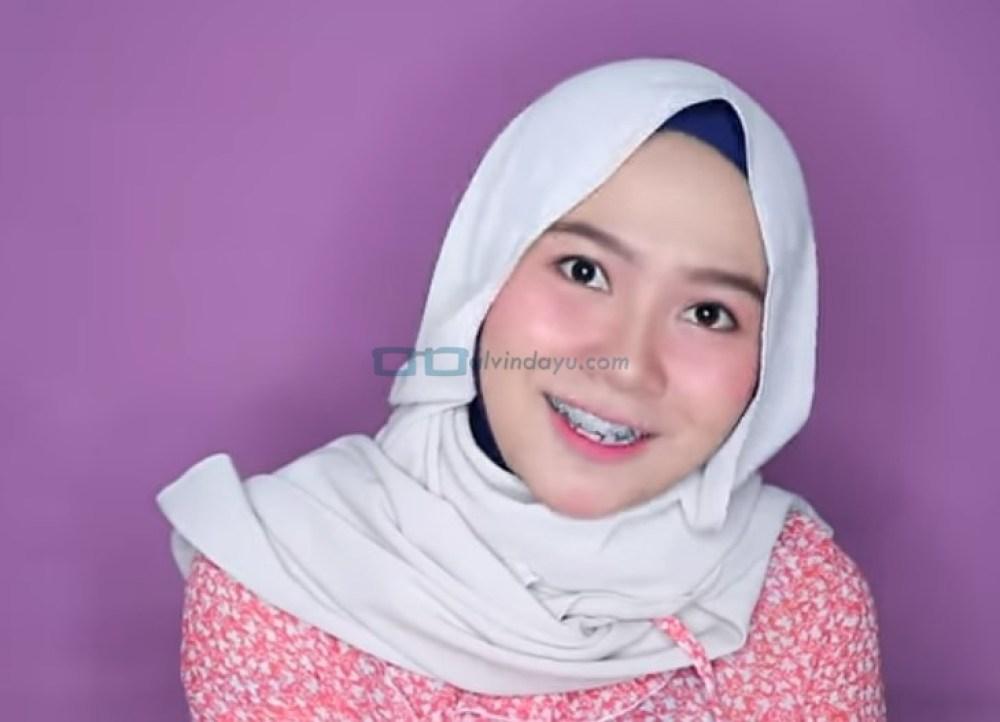 Tutorial Hijab Pashmina Wajah Bulat untuk Pesta Style 2 SELESAI