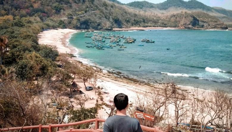 Keindahan Tempat Wisata Pantai Papuma di Jember