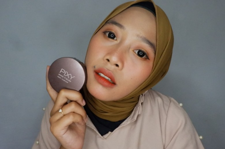 Review Pixy Make It Glow Dewy Cushion
