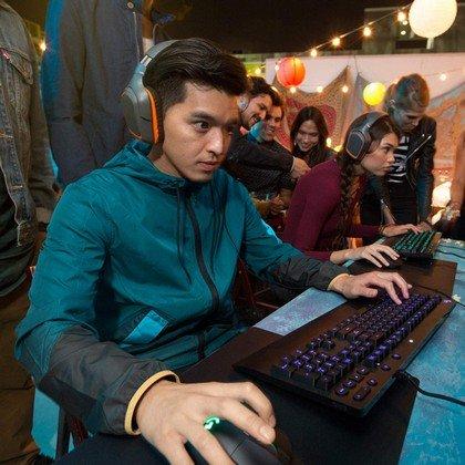 Logitech G213 Prodigy Gaming Keyboard RGB Lightsync Backlit Keys 2
