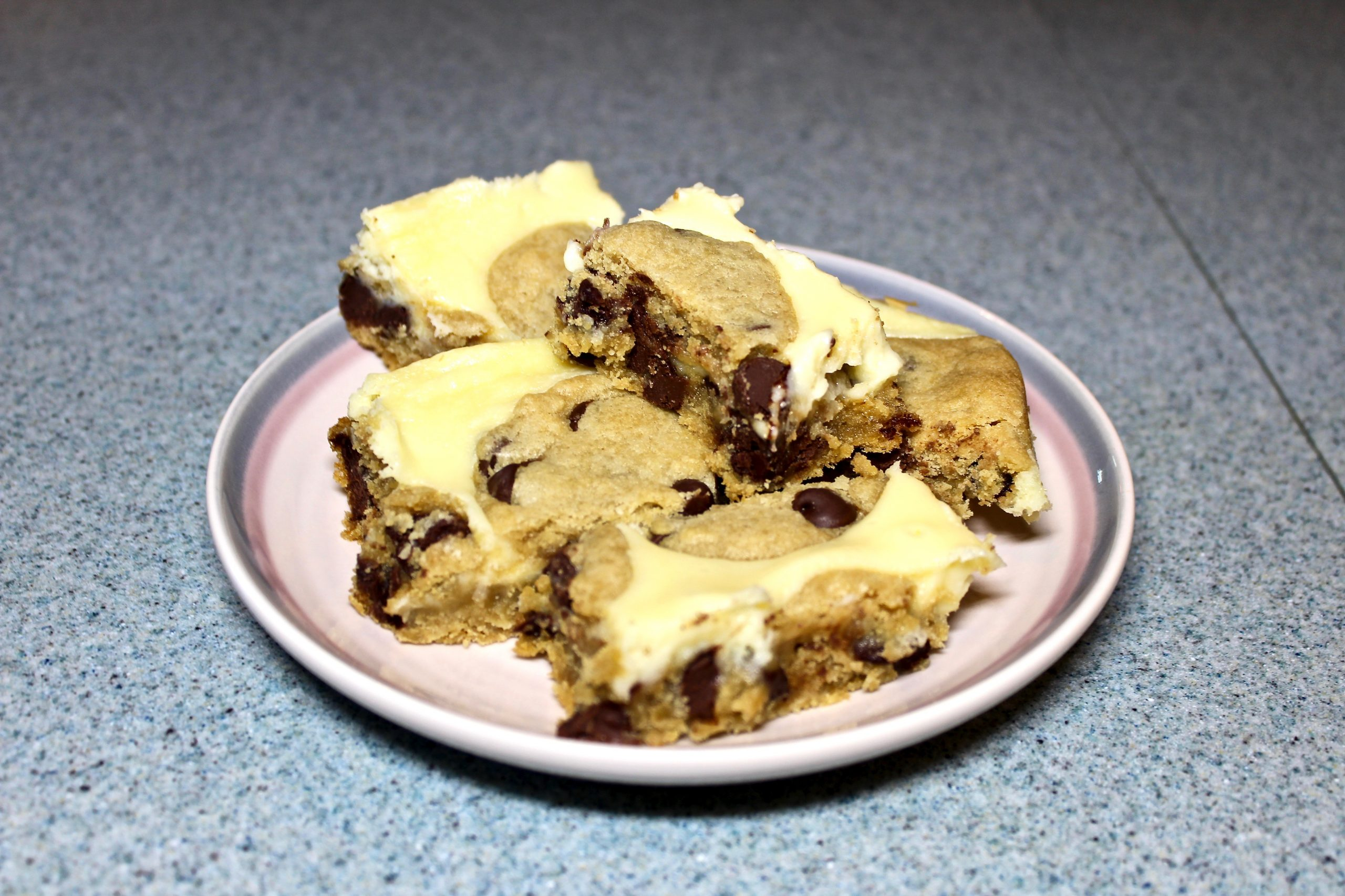 Tasty And Easy Dessert: Chocolate Chip Cream Cheese Bars