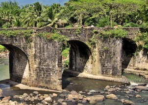 the Malagonlong bridge in Tayabas which is one of the oldest remaining stone bridges built in the colonial Spanish era
