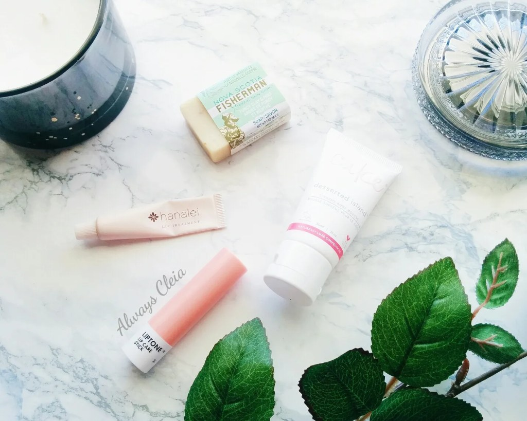 What's in My Bag: Travel Skincare Routine