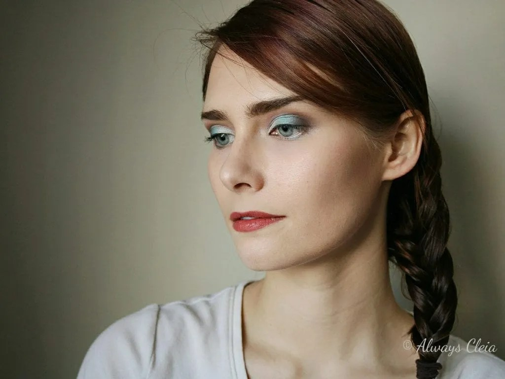 Beauty Scene Makeup Blue Eyeshadow Look