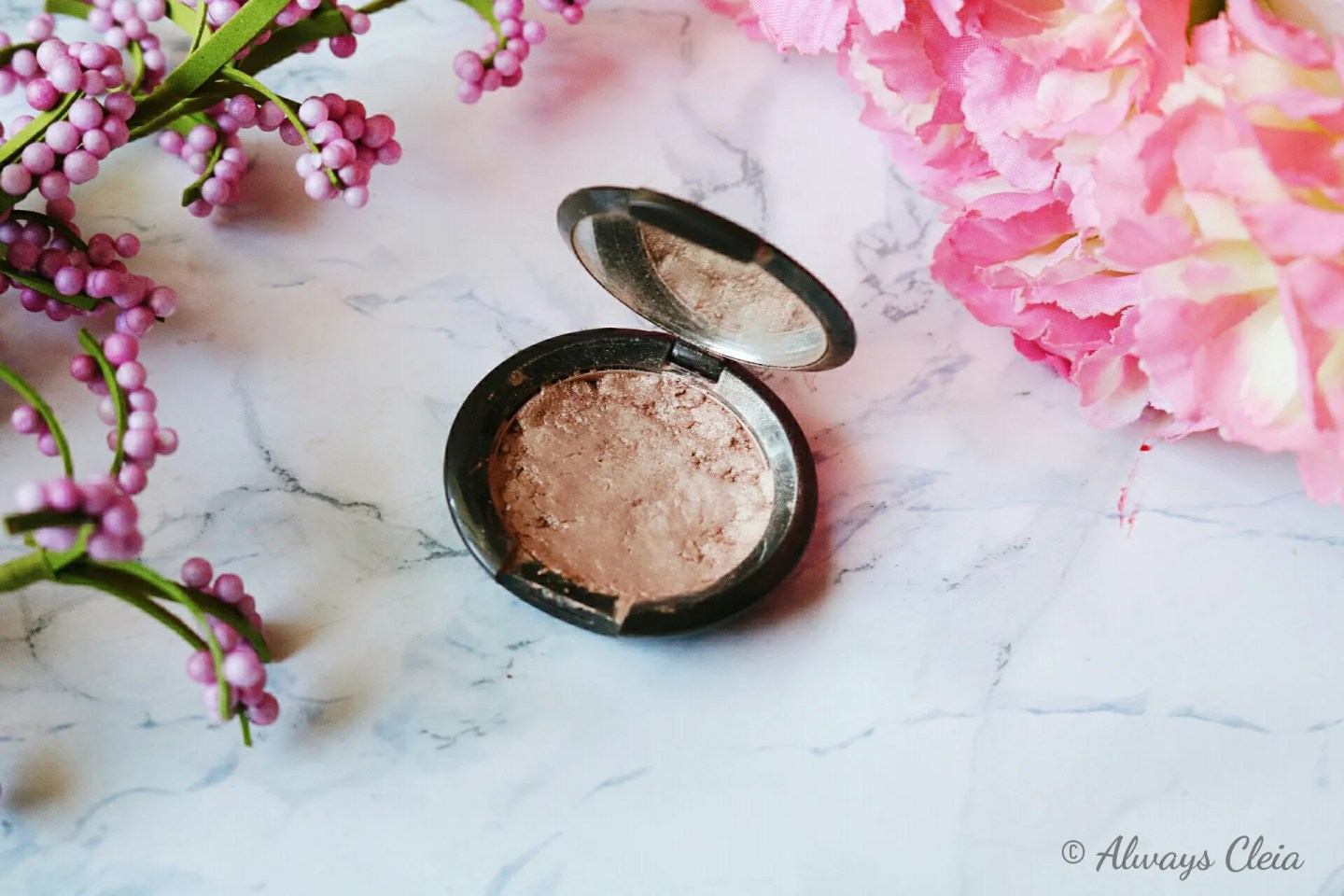 Becca Pressed Highlighter In Opal
