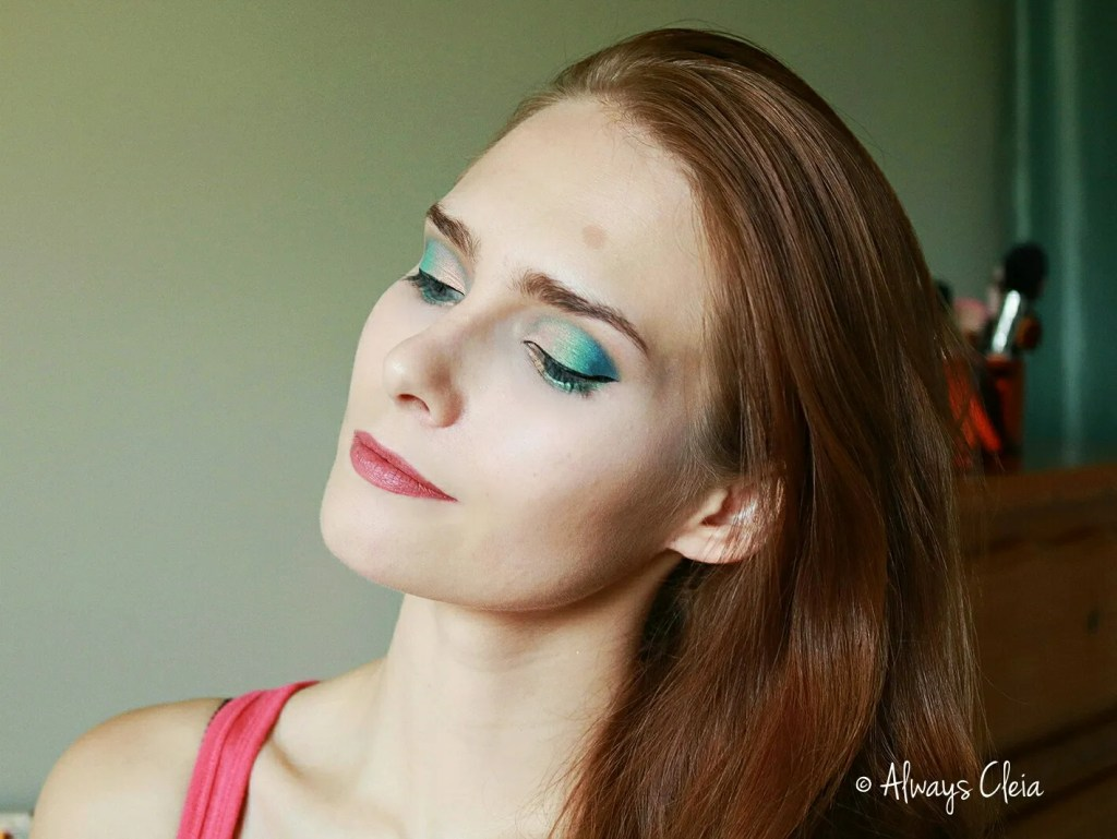 MAR Palette Makeup Look | Teal & cobalt Eyeshadow