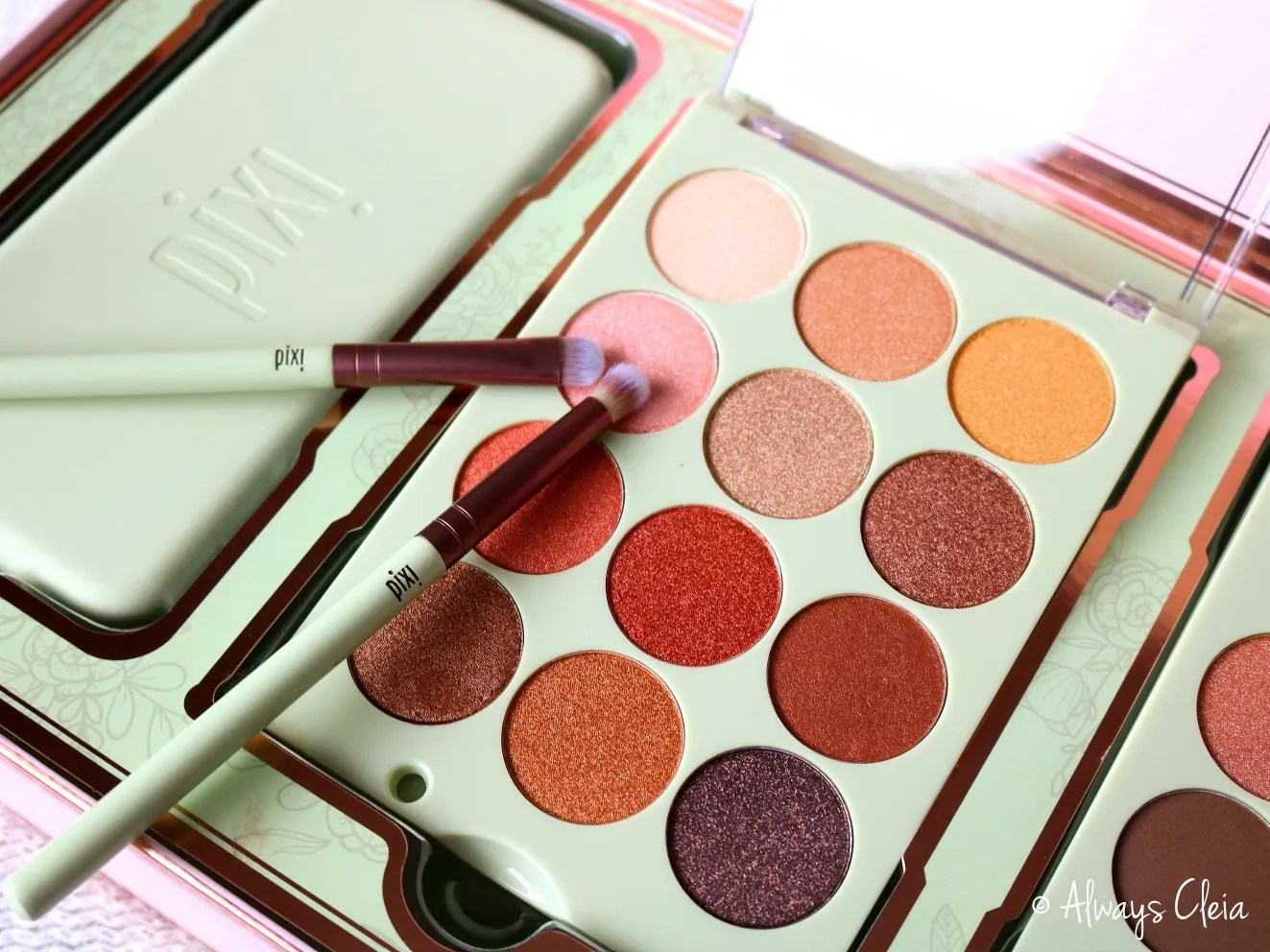 Pixi Reflex Light Eye Reflections Eyeshadow Palette Review