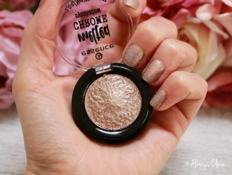 Essence Melted Chrome Eyeshadow - Gold Ironic