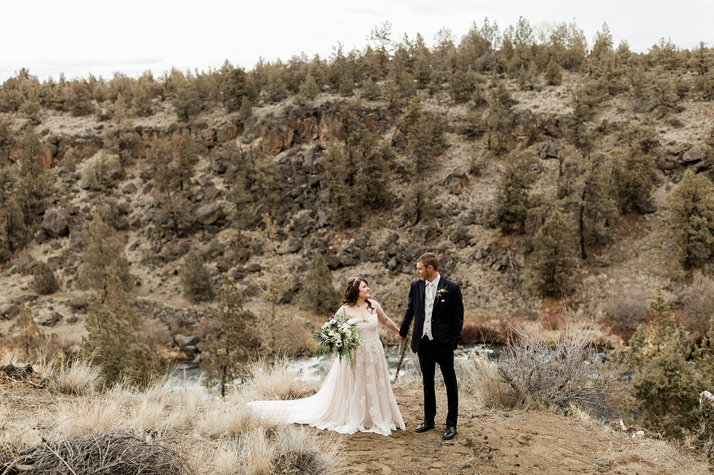 A|E Bride Amber & Jared Vahl | Redmond, OR