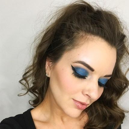 Wear Blue Eyeshadow 02