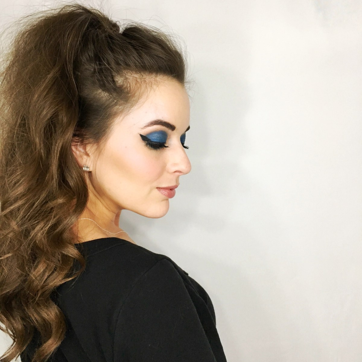 Hot Trend Alert - Blue Eye Shadow