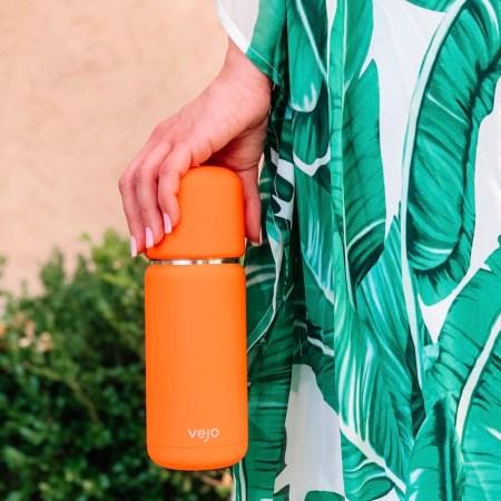 Vejo review - personal pod blender for smoothies - orange blender