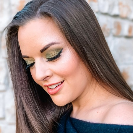 Natasha Denona Triochrome Palette eyeshadow look - green shades, scarab.