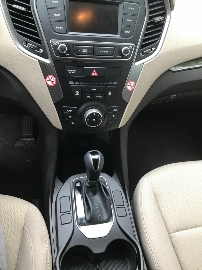 5 Things to Do When You Get a Rental Car | AlwaysMovingMommy.com | Make sure your next rental car experience is fantastic with these things you should do when you get a rental car