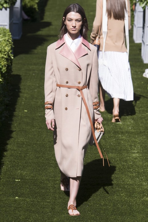 A2F NYFW S/S 2018 Trench Trend Tory Burch