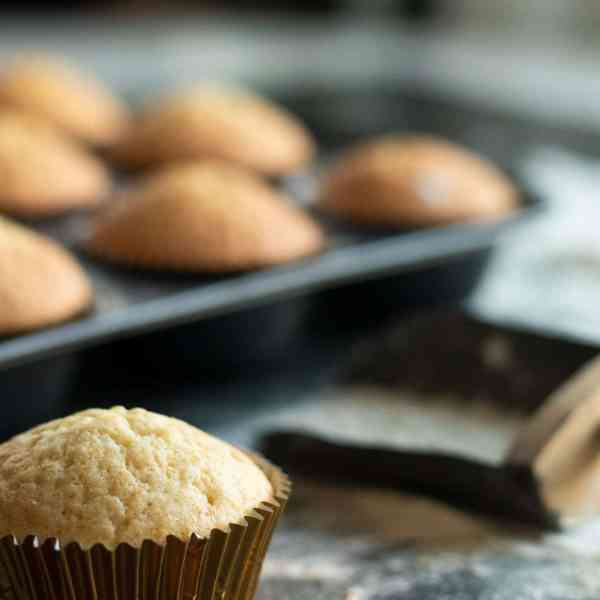 Easy Vanilla Muffins - Perfect For Cupcakes!