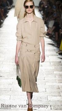 Model: Rianne van Rompaey, Bottega Veneta Spring 2017 Ready-to-Wear, via Vogue.com
