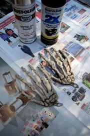 Skelton Belt DIY. Photo Credit: Mechelle Avey. alwaysuttori.com