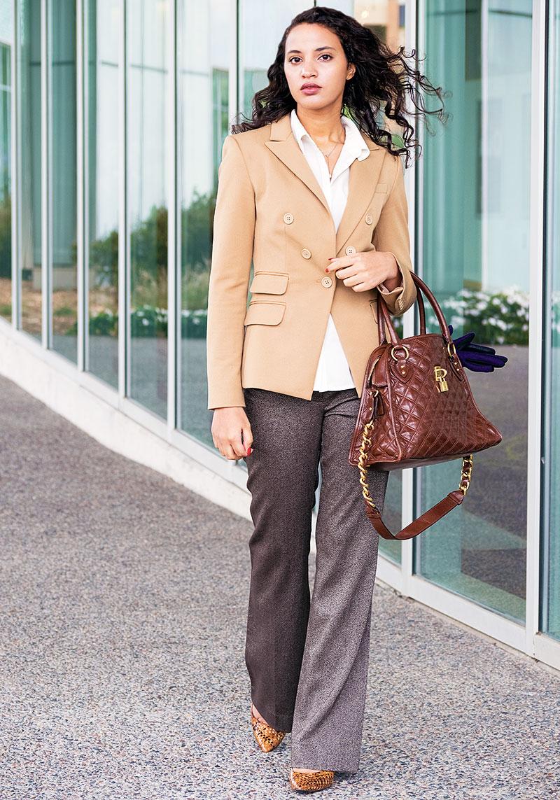 Alwaysuttori.com: INTJ Fashion Blogger, I'mari Avey wears an Olivia Pope costume for Subtleween 2016. Standing near building.