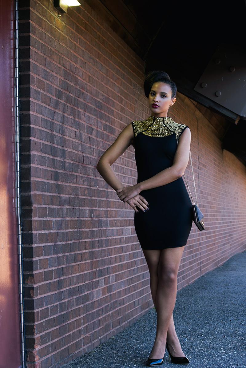 Introvert Life - New Year's Fashion Look 1. Photo 2. INTJ Fashion Blogger, I'mari Avey. Photo Credit: Mechelle Avey. Published in Alwaysuttori.com