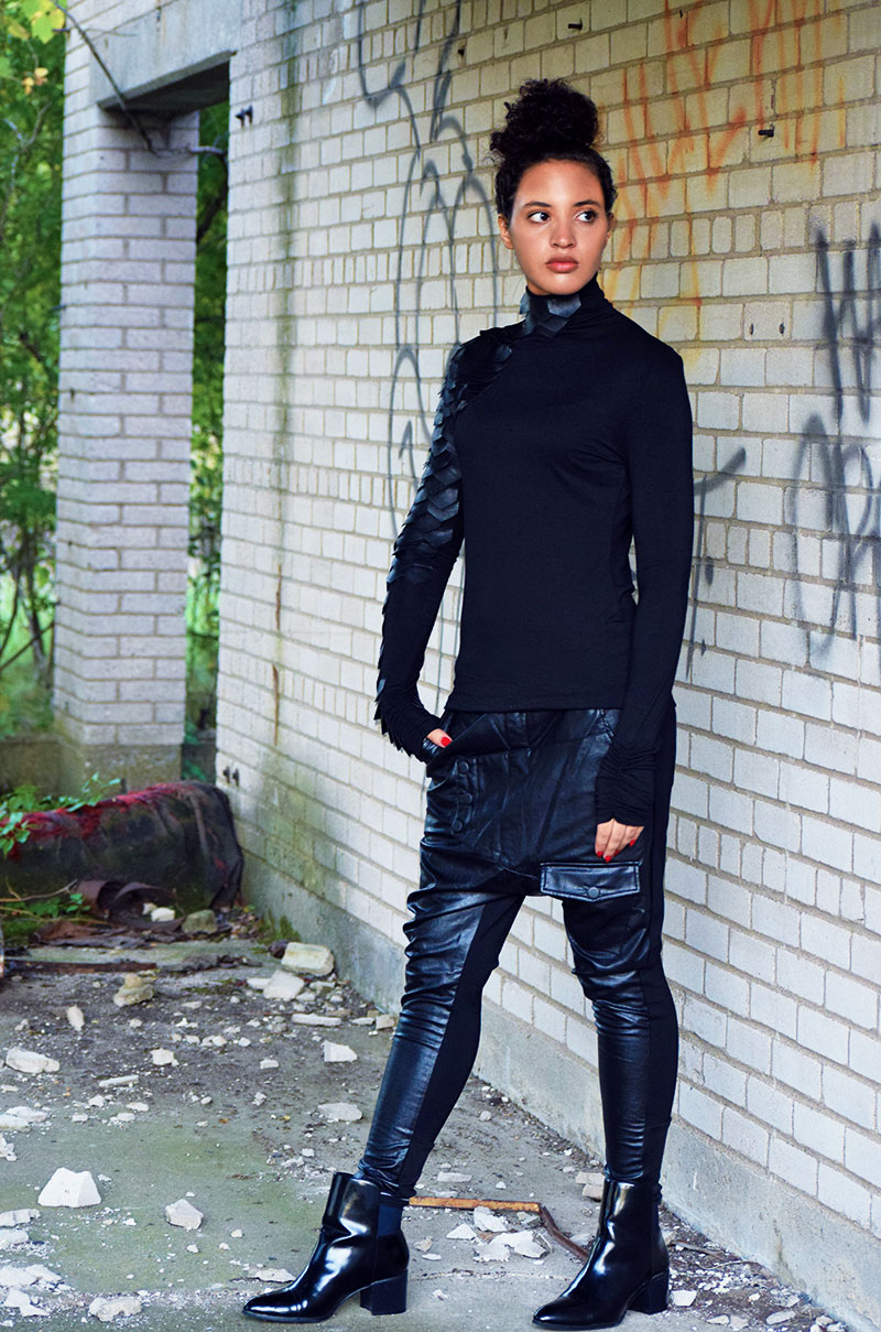 Photo Credit: Mechelle Avey. Anti-Romance Fashion: Girl Warrior. Alwaysuttori.com