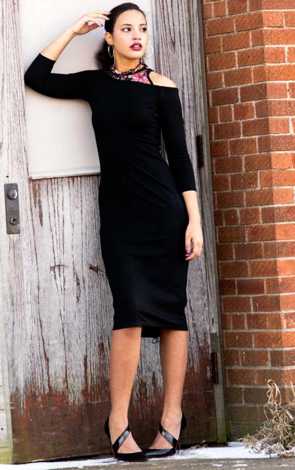 I'mari Avey, Fashion Blogger, Spring Fashion Transition Look 1, photo 2. Photo Credit: Mechelle Avey.Spring Fashion Transition: Bella Rosa. Alwaysuttori.com