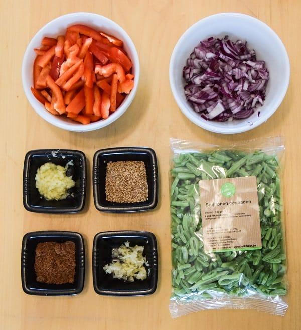 noodles-snijbonen-paprika-mis-en-place