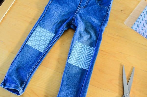 strijk-applicatie-kapotte-knie-broek-2