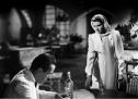 Belki de Ingrid Bergman oynadığından, erkeklerde farklı hisler uyandırır Michael Curtiz'in yönettiği 1942 yapımı bu film. Konumuz eski bir aşk hikayesi, bununla birlikte savaştan Amerika'ya kaçmak. Nazi Almanyası hükmündeki Kazablanka şehrinde geçen bu film duygusal filmleri sevenlerin hayatında pek önemli bir yere sahiptir. Kim sever: Drama/duygusal film seven herkes. http://www.imdb.com/title/tt0034583/?ref_=fn_al_tt_1