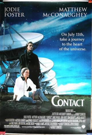 """Bu filmimiz de, Forrest Gump'tan dolayı çok çok iyi bildiğimiz Robert Zemeckis'in imzasını taşıyor. Ama daha da güzeli Carl Sagan imzasını da taşıyor, zira Sagan'ın kitabından yola çıkılarak çekilmiş Contact. Filmi, Carl Sagan faktörü haricinde konumuzla ilgili kılan yönü ise, filmde """"Tanrı var mı?"""" sorusunun da çok net bir şekilde sorulması ve buna cevap aranması. Çok başarılı bir bilim kurgu filmi Mesaj."""